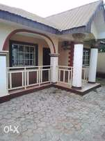 Luxury detached 5 bedroom bungalow at Apata