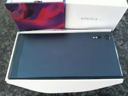 Sony Xperia XZ Forest Blue.