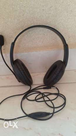 x4 durable headphones for games and mobiles