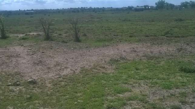1/2 acre land in Isinya Kitengela - image 1