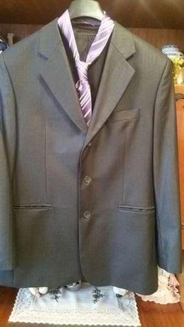Продам чоловічий костюм  500 грн. - Чоловічий одяг Квасилів на Olx 3350943ac0734