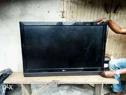 Neat LG plasma TV LCD 42 inches