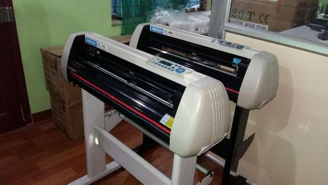 Automatic Cutting Plotter for professional Car, Sign Branding 2/4 Fit Nairobi CBD - image 3