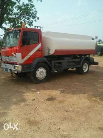 Mercedes benze diesel tanker for sale Abuja - image 2