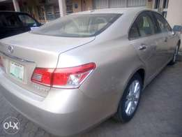 Super clean ES 350 Lexus full option 2010/11 model