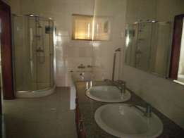 Powerful and spacious luxury 3 bedrm flat to let at Oniru Victoria Is