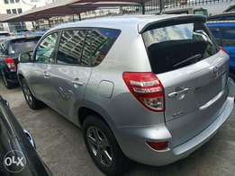 2010 model Toyota Vanguard Silver Color KCP