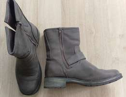 Never worn pair of Thruworths Ginger Mary boots