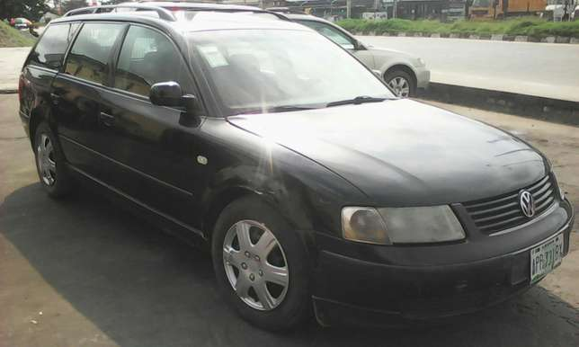 Volkswagen passat wagon 4plug engine automatic gear first body 550k Lagos Mainland - image 2