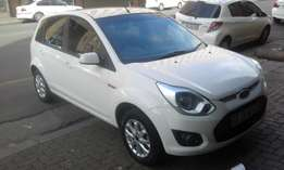 Ford figo 1.6 white in color 2015 model electric window 58000km R88000