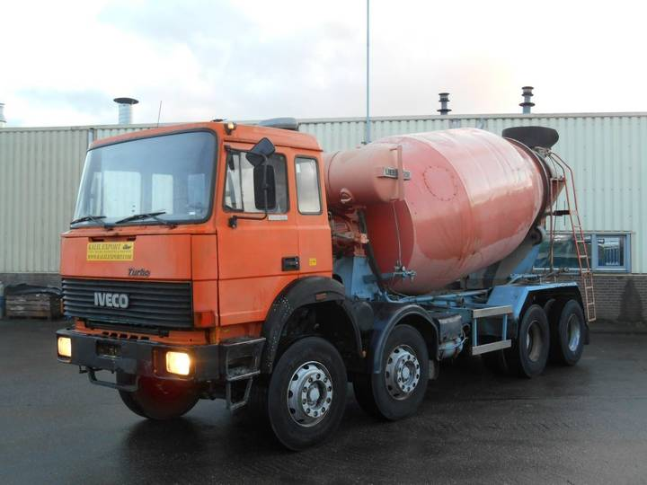 Iveco 300-30 Mixer Liebherr 10m³ 8x4 V8 Good Condition - 1988