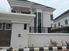 A Luxurious 5 Bedrooms Duplex for Sale
