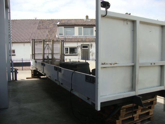 Div.Laadvloeren  oprijbak 8,60 meter met hydraulic klep - 2001