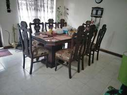 Dining Table with 8chairs