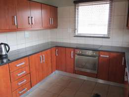 Lindo Park. Neat and clean House for sale in Stormvoel drive