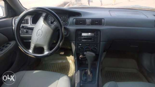 Toyota Camry 2000, just 3/ month used very clean and sharp Lagos Mainland - image 3