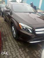 Almost new 2016 Mercedes-benz GLA250
