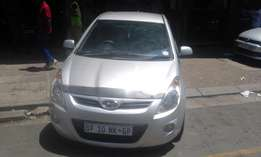 Hyundai i20 1.6 confort line 2014 model silver in color 28000km R98000
