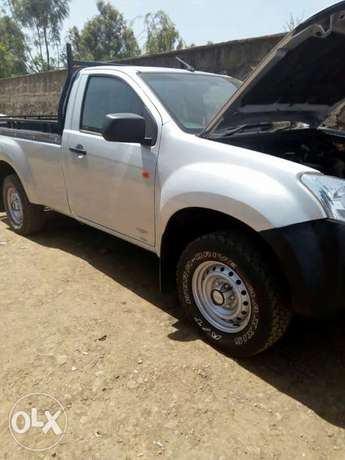 Isuzu Dmax (local ) Hurlingham - image 4