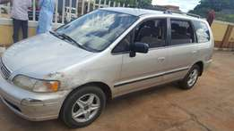 Honda Odyssey 1st body in good condition.