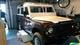 Land Rover and Ford Cortina 4x4 Bakie