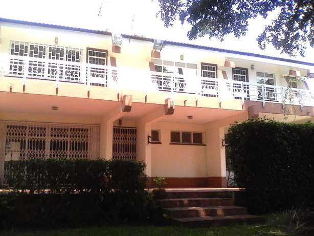 An outstanding 5 bedroom house for rent in Runda Hurlingham - image 3