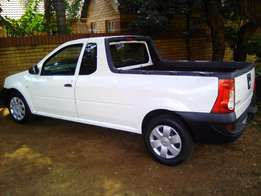 2014 Nissan Np 200 safety pack
