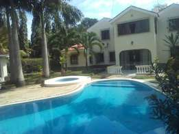An executive 4 bedroom furnished house on a 1/2 an acre plot for rent.