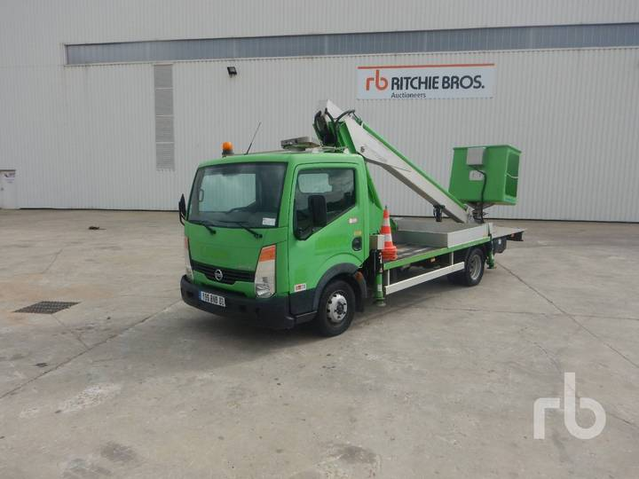 Nissan CABSTAR w/Multitel 160ALU DS 16 m - 2007
