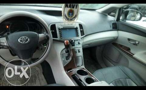 Neatly used venza up for grab Port-Harcourt - image 8