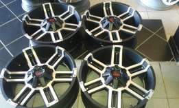 Fairly New 20'' Bakkie mags black 6/139 R 7999
