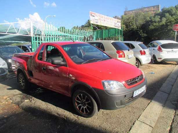 2011 chevrolet corsa utility red color 1.4 for sale Johannesburg CBD - image 1