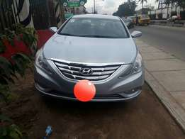 Sharp 2013 Hyundai sonata