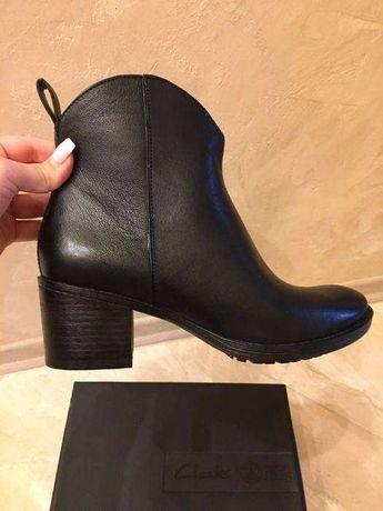 Ботинки ботильоны полусапожки Clarks  2 800 грн. - Жіноче взуття ... 51da973336b82