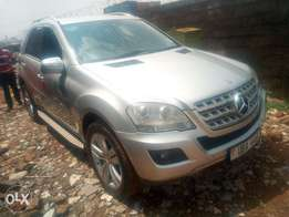 Mercedes benz ML 320 silver colour in excellent condition diesel