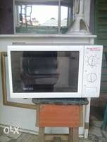 Microwave oven with grill fairly used