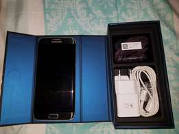 Samsung galaxy S7 edge 32gig and gear vr for sale in perfect condition