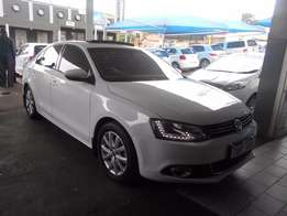 2015 White Jetta -6 TSI 1.4 engine