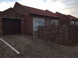 Langenhovenpark 2 bedroom townhouse to Rent