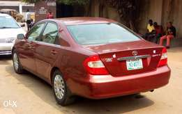 Well used Camry 03 first body for sale.