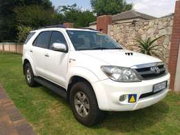Call Haroon on 2007 Toyota Fortuner 3.0 D4D with rear entertainment ce