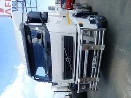 Neat and clean 2008 Volvo truck for sale!!