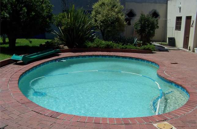 Build and Repair Swimming Pools Services Centurion - image 1