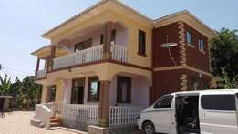 A normal 3bedroomed house in ntinda at 1,3m