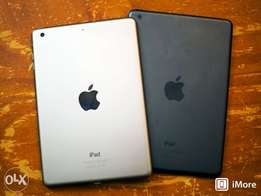 4 ipad for sale. Ipad mini2 black and silver. And ipad 2