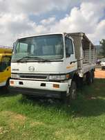2000 HINO Double diff with JO8 Turbo motor