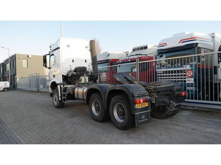 Mercedes-Benz AROCS 3352 180 tons push and pull HEAVY DUTY 6X6 EURO 6 9... - 2016 - image 17