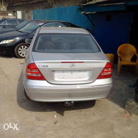 A super clean accident free toks 2003 Mercedes Benz C180 for sale Ikeja - image 1