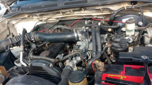 Extremely sharp and sound first body 2009 Hilux with chilling AC Warri South - image 7