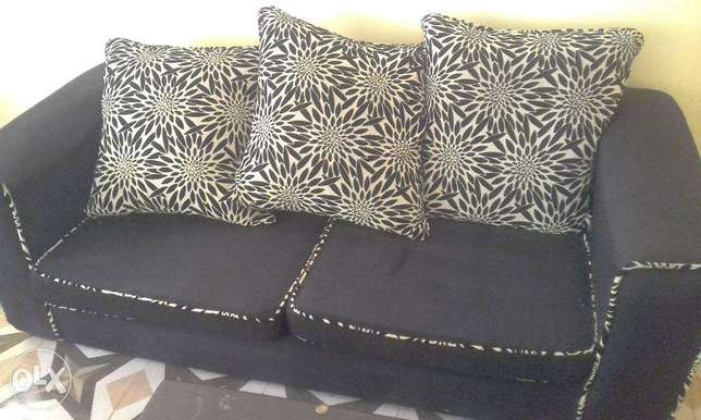 Black checked Sofa sets in great shape Lower Kabete - image 1